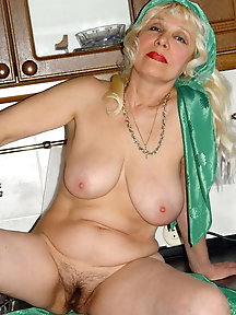 From MILF to GILF with Matures in between 219