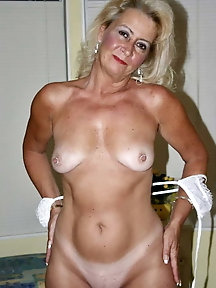 Ravishing older lady gets naked
